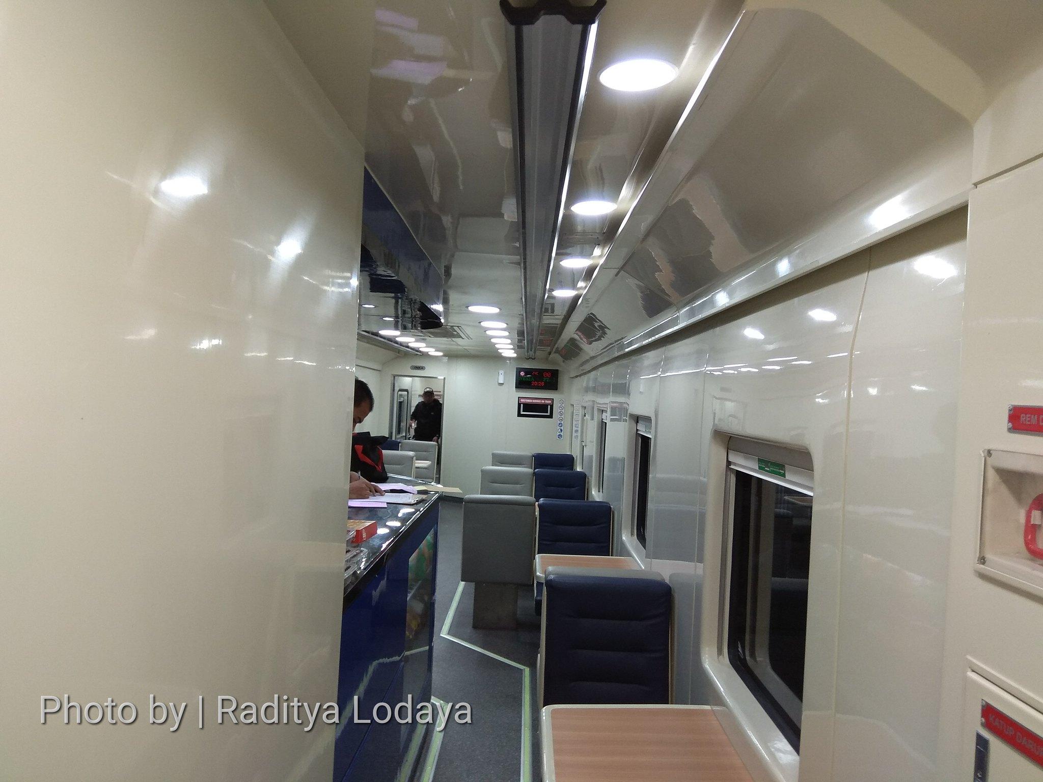 PLB Kereta Api Argo Parahyangan Tambahan Stainless Steel (6/6)