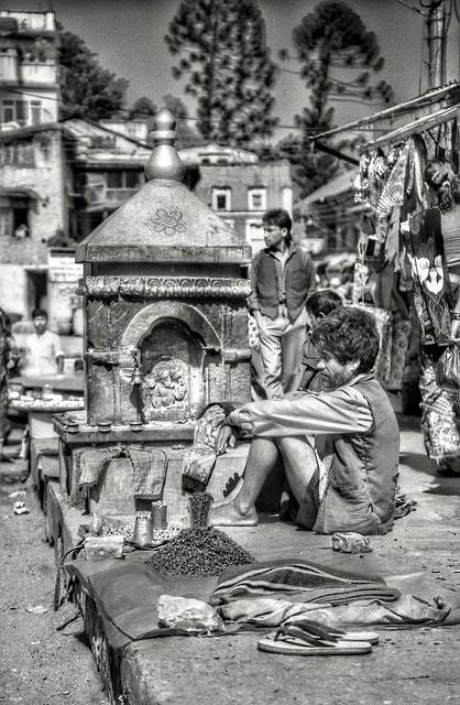 Pashupatinath, market. Nepal (HDR)