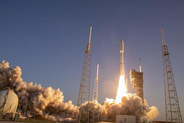 Liftoff! Atlas V AFSPC-11, Canon EOS 5D MARK III, Canon EF 24mm f/2.8 IS USM
