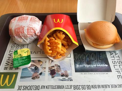 MacDonalds - Double Cheeseburger, Gitterkartoffeln & Filet'o'Fish