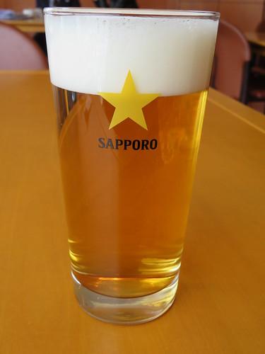 福島競馬場のサザンクロスの生ビール