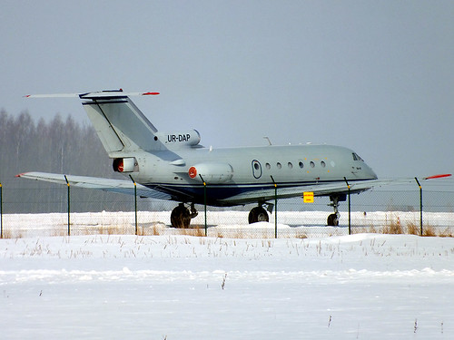UR-DAP Yak-40 Tukums 10-03-18