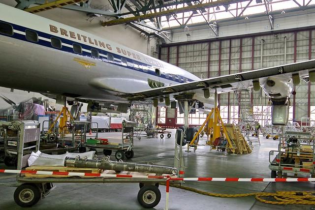 ZRH/LSZH: Lockheed Constellation Starliner (C69/C-121) HB-RSC