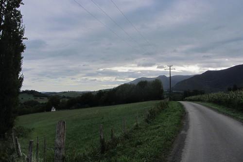 20120924 26 079 Jakobus Pyrenäen Hügel Wald Wiese Weg