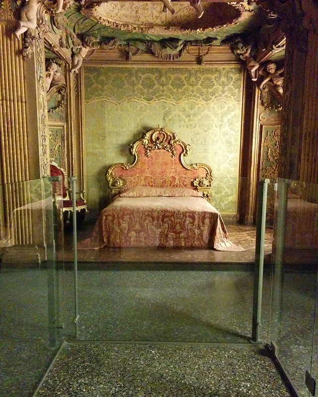 Bedroom from the Sagredo Palace, Venice, circa 1718 #newyorkcity #newyork #manhattan #metmuseum #venice #sagredo #latergram