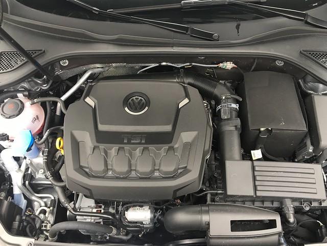 2018 Volkswagen Passat 2.0T SEL Premium