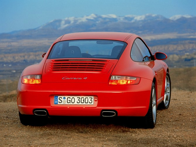 Porsche_911_(997)_Carrera_4_-_07_(1280)