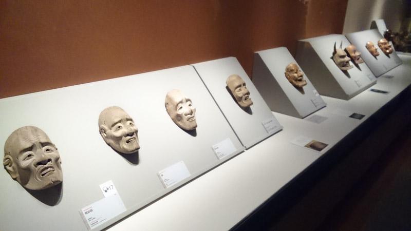 MIHO MUSEUM、ずらり並ぶ「面」の展示