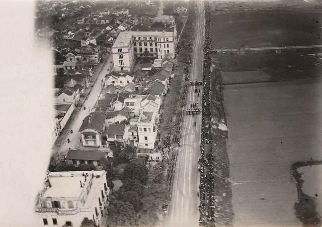 Photo:1922 LA PARADE DU MARÉCHAL JOFFRE EN VISITE OFFICIELLE À HANOÏ (Janvier 1922) By manhhai