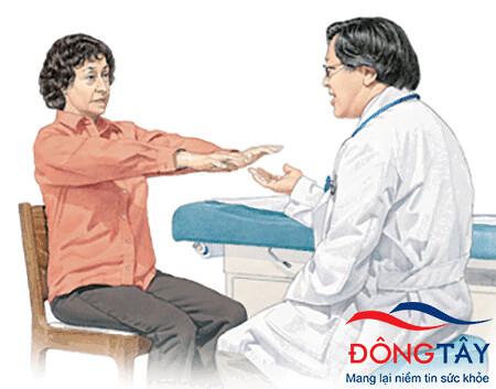 Các bài kiểm tra về vận động giúp chẩn đoán hội chứng Parkinson