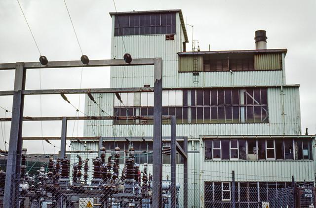 Stáisiún na Mónadh 21 / Turf Station 21.