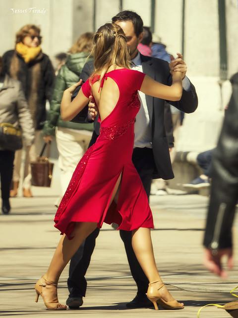 Tango in the street 26248810817_3563eb2092_z