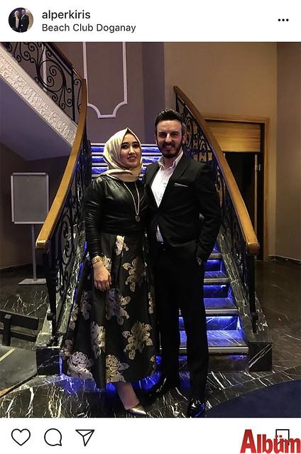 Alper Kiriş, nişanlısı Büşra Okşar ile birlikte Beach Club Doğanay'da katıldıkları davetten bu fotoğrafı paylaştı.