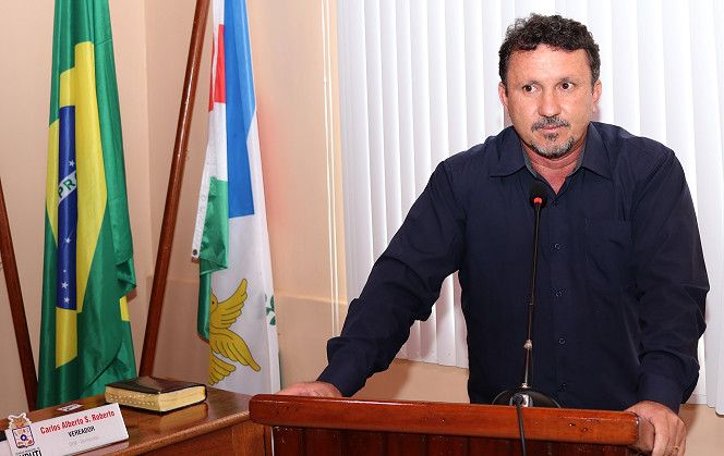 Na pandemia e o prefeito com covid-19, vice exonera toda cúpula do governo
