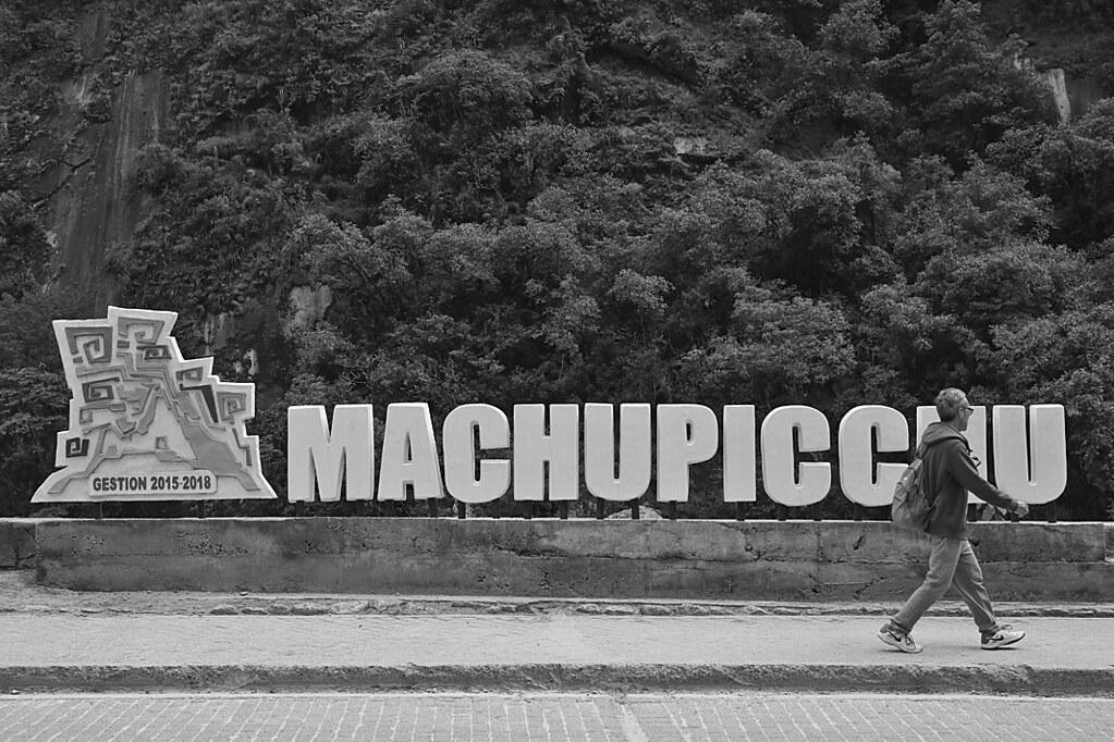 Machu Picchu - Machu Picchu sign bw
