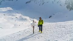 Widok z przełęczy Zawrat na Dolinkę P{od Kołem w Dolinie 5 Stawów.