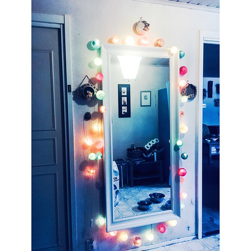 happy lights hallway mirror, march 2018