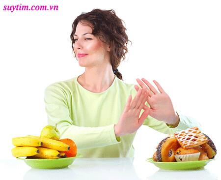 Chế độ ăn sau nhồi máu cơ tim cần hạn chế chất béo bão hòa và cholesterol