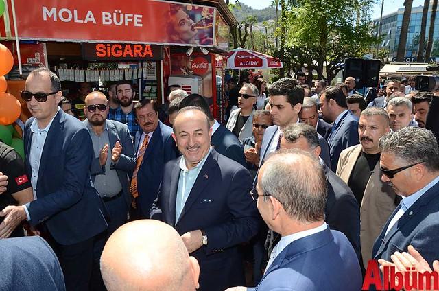 Dışişleri Bakanı Mevlüt Çavuşoğlu Alanyaspor Store Mağazası'nın açılışına katıldı -4