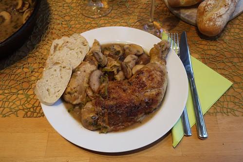 Dijon-Hühnchen in Weißweinsoße mit Estragon und Cognac (mein Teller)