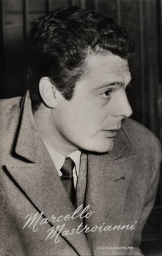 Marcello Mastroianni in Padri e figli... (1957)