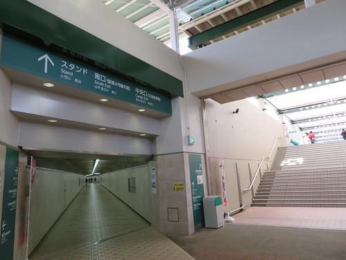 福島競馬場の東口から入ったところ