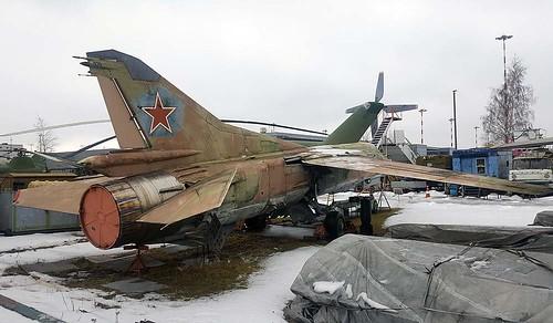3910601 60 white MiG-27 Riga-Skulte 10-3-18