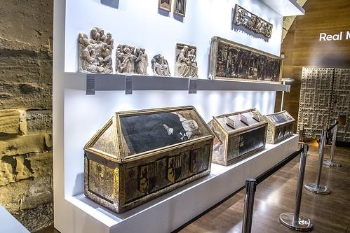 Monasterio de Sijena, cajas sepulcrales del siglo XV