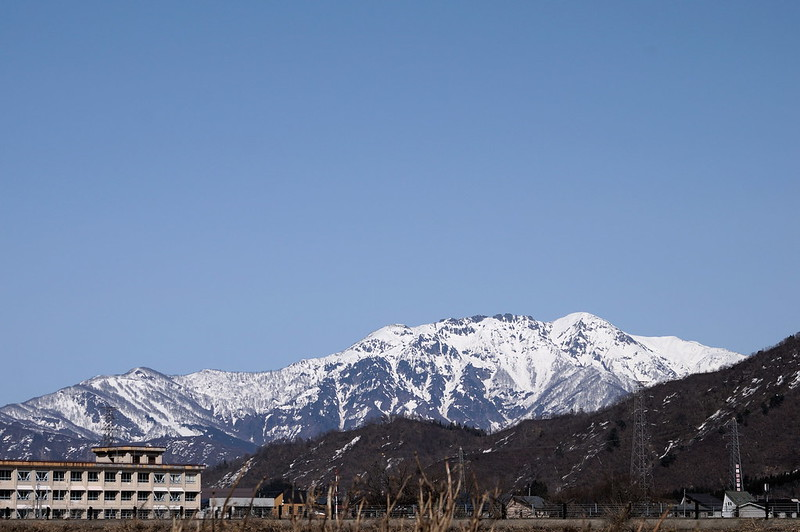 八海山と中学校_201803