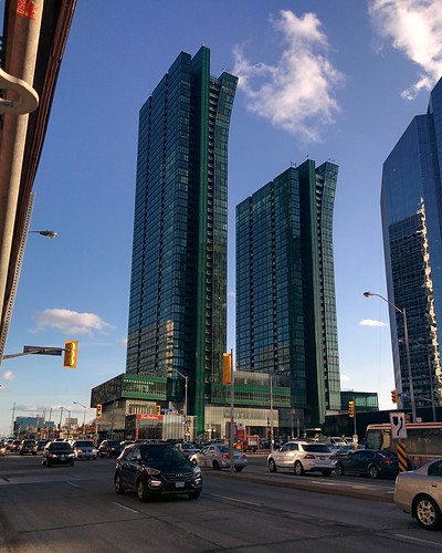 Emerald Park Condos, from the north #toronto #northyork #yongestreet #emeraldparkcondos #towers #condos #green