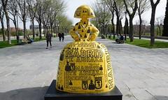 Las meninas salen de paseo por Madrid - Meninas go for a walk in Madrid