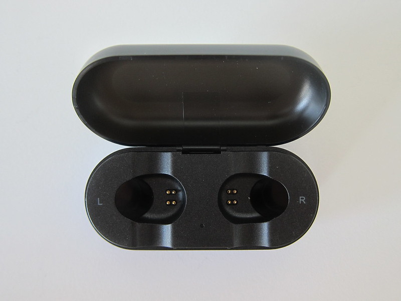 Soul ST-XS Wireless Earphones - Charging Case - Open