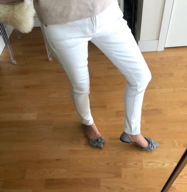 LOFT Modern Skinny Jeans in white, size 25/0P
