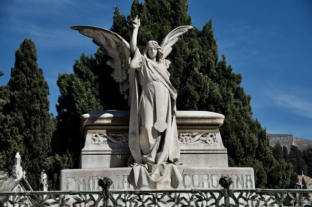 Panteó Eduard Sevilla i Montoliu / Coromina, Cementiri de Montjuïc, Barcelona.