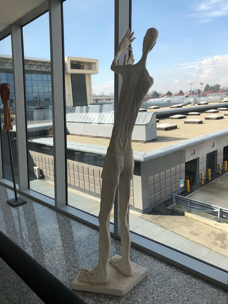 Emirates Lounge Milan MXP 10