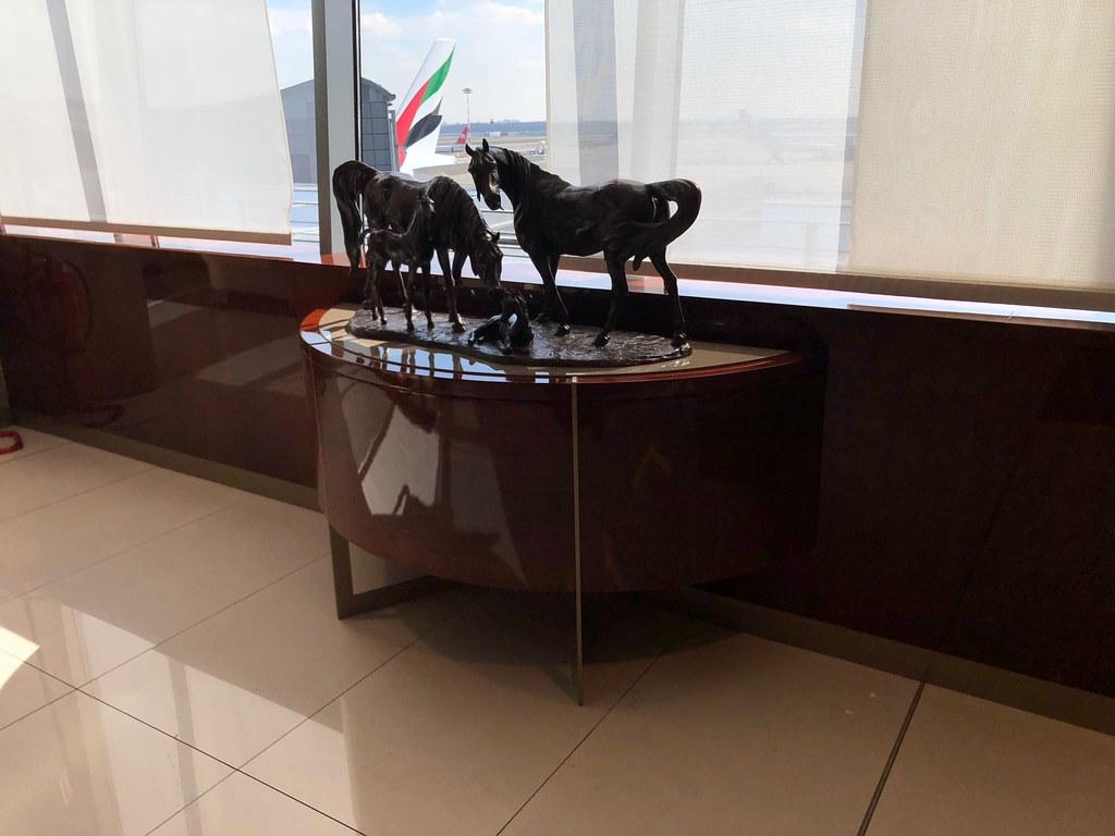 Emirates Lounge Milan MXP 32