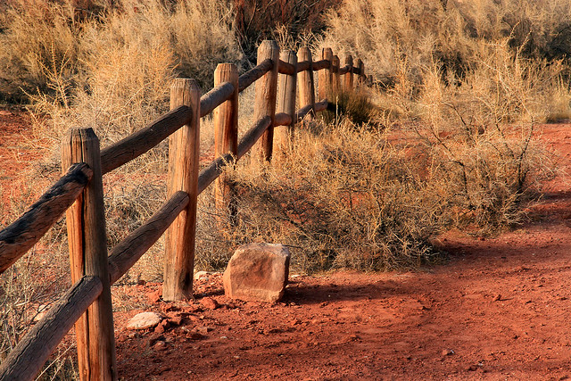 Desert Fence, Canon EOS 7D, Canon EF-S 17-85mm f/4-5.6 IS USM