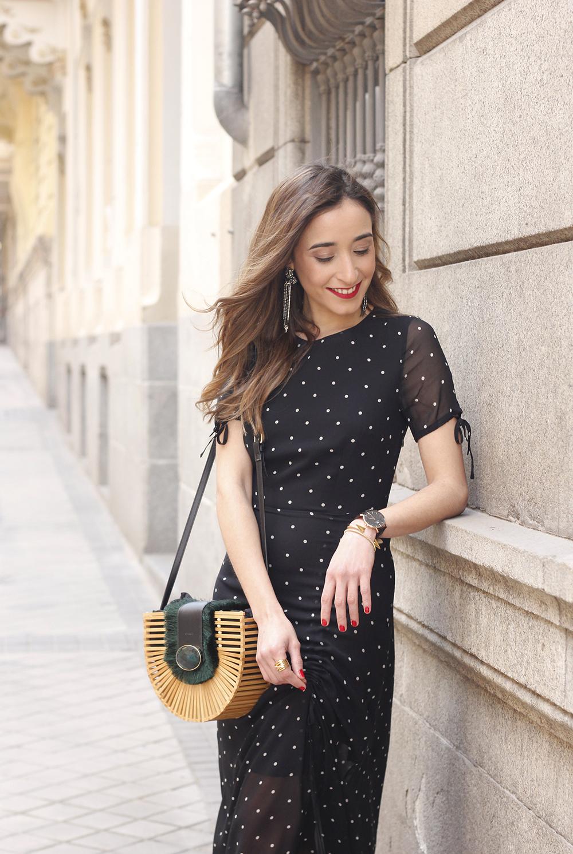polka dot dress uterqüe jewel heels denim jacket outfit street style bamboo bag10