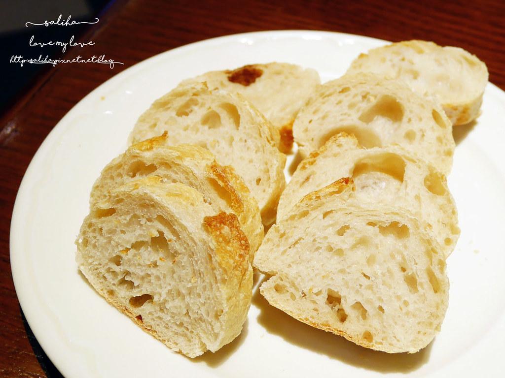 paul仁愛店麵包