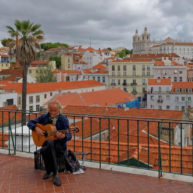 Lisbon : The guitarist