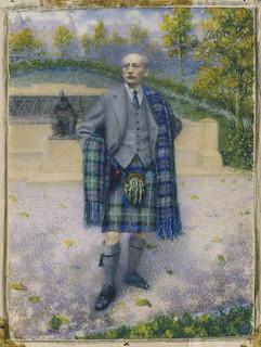 Portrait of Robert Tait McKenzie in a kilt / Portrait de Robert Tait McKenzie, portant un kilt