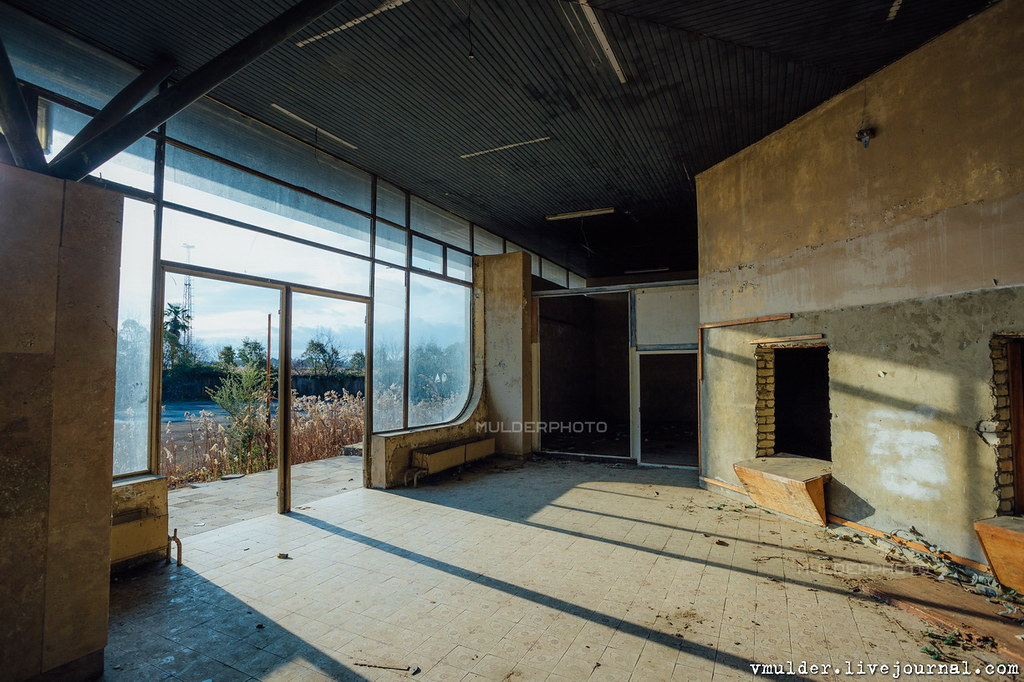 Сухумский аэропорт аэропорт, аэропорту, Абхазии, здесь, самолёт, здание, аэропорта, сожалению, международного, принимать, который, время, самолёты, войны, Сухум, отремонтировано, видео, Аэропорт, более, летают