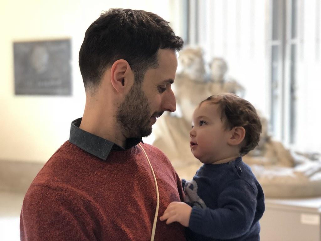 Con su papá en Bruselas