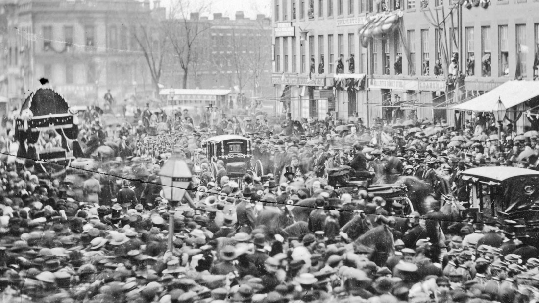 Funeral procession of Abraham Lincoln on Main Street in Buffalo, New York, on April 27, 1865.