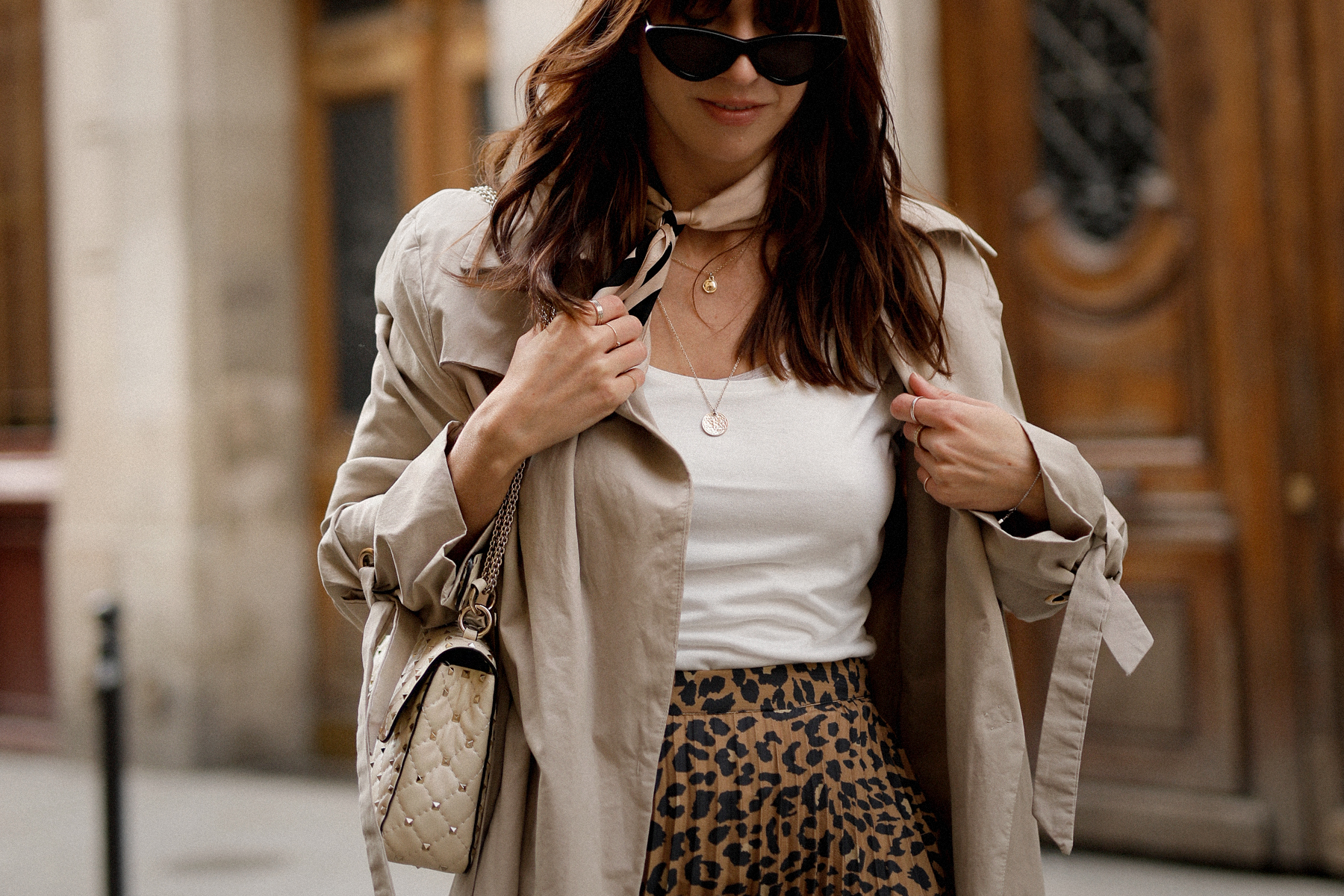 paris love mon amour mint&berry leopard print skirt trench coat valentino rockstud breuninger catsanddogsblog modeblogger styleblog modeblog outfitblog parisienne styliste cats&dogs max bechmann fotografie film düsseldorf 1