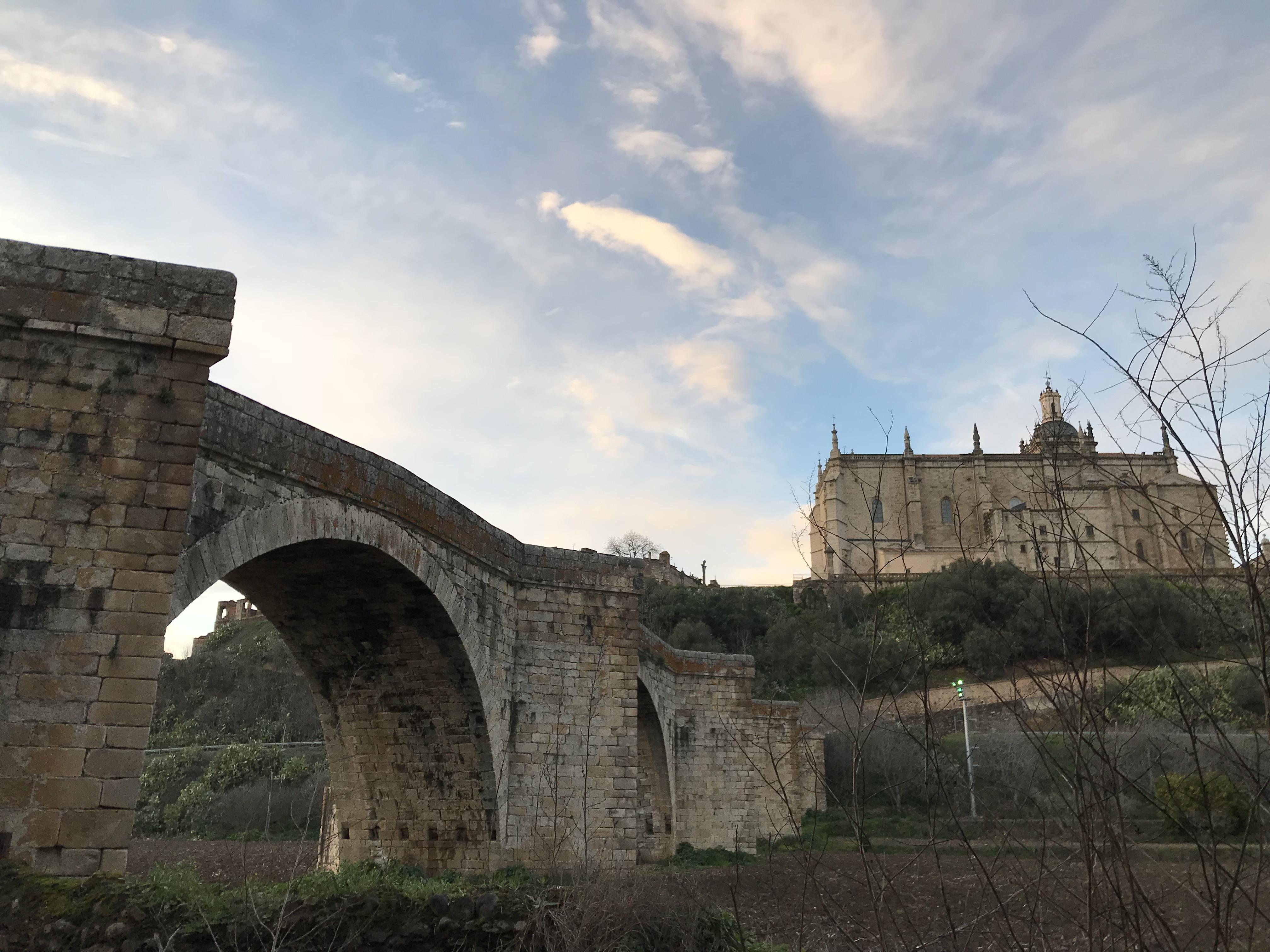 Descubre la Ciudad Antigua de Coria a través de sus visitas guiadas
