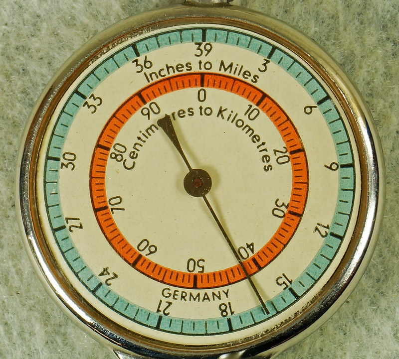 RD16962 Vintage Combination Map Measurer Curvimeter and Compass Western Germany DSC05246
