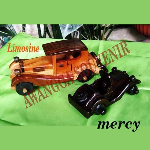 miniatur kayu Mercy Limosine
