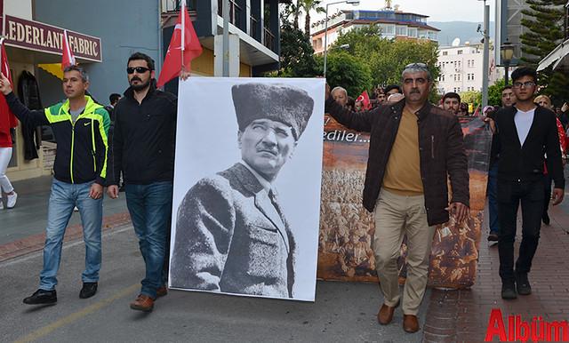 Türk Eğitim Sen Alanya Temsilciliği 18 Mart Çanakkale Zaferi Anısına Şehitlere Saygı Yürüyüşü -13