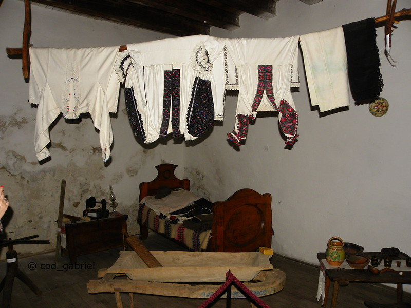 Traditional clothes and furniture in Hunedoara castle